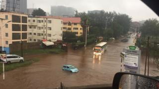 Moja za barabara zilizofurika jijini Nairobi