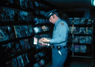 Полиција у продавници