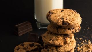 Молоко і печиво