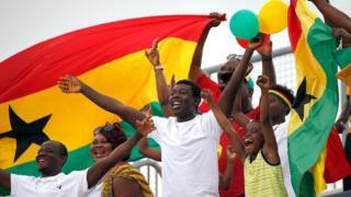 Ghana fans dey celebrate
