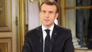 Tổng thống Emmanuel Macron phát biểu 13 phút trước quốc dân