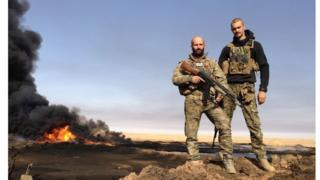Oliver Hall and another YPG fighter