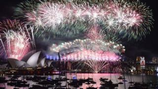 悉尼新年夜焰火(资料图,20160101)
