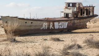 廢棄的漁船