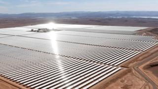 Огромная солнечная электростанция в Марокко