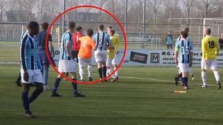 Haarlem Geel-Wit ve Hoofddorp UNO takımları arasında oynanan maçta çıkan kavga