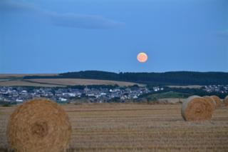 Harvest moon over Cullen