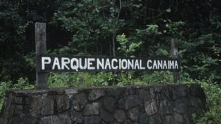 Placa do Parque Nacional Canaima