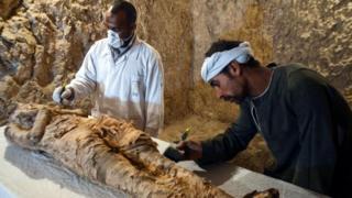 """La momie serait """"un haut responsable ou une personnalité puissante"""", selon les premières analyses."""