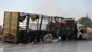 Сгоревший грузовик из гуманитарного конвоя
