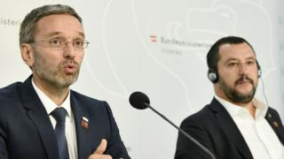 Italy's Interior Minister Matteo Salvini (R) and his Austrian counterpart Herbert Kickl at a press conference in Vienna, September 14, 2018