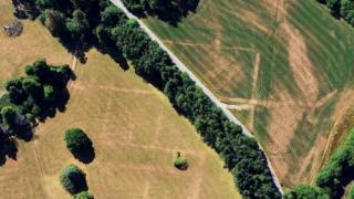 Trawscoed, Ceredigion'da kale yapısı ortaya çıktı