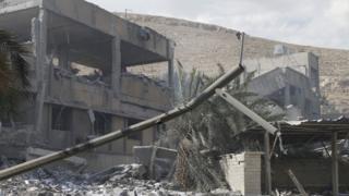 Последствия удара по объекту в Барзехе