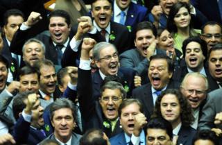 Aliados comemoram com Eduardo Cunha a eleição à Presidência da Câmara em 2015