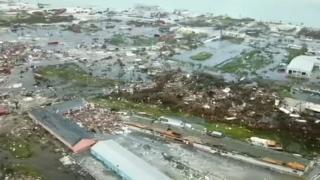 Vista aérea de los daños en Bahamas causados por Dorian