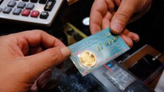 تسارع شراء الإيرانيين للذهب منذ انسحاب الولايات المتحدة من الاتفاق النووي