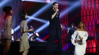 Tina Arena performs her hit Chains with The Veronicas and Jessica Mauboy at the ARIA Awards