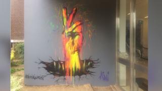 Mural, Luton