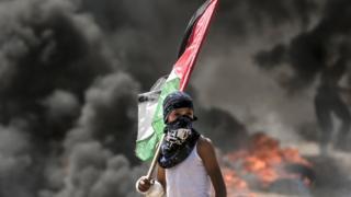 Gazze Şeridi'nde İsrail güçlerinin müdahalesine karşı Filistin bayrakları dalgalandırıldı.