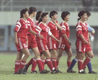 参加第一届女子足球世界杯的中国女子国家队