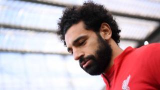 """Mohamed Salah souffre d'une """"commotion cérébrale"""" et """"ne sera pas autorisé à jouer"""" contre le FC Barcelone."""