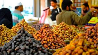 Tende za saudia katika Soko la tende huko Jeddah