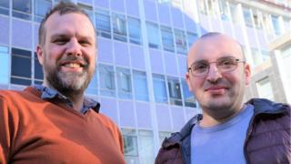 Dr Huw Morgan a Dr David Kuridze o Grŵp Ffiseg Cysawd yr Haul, Prifysgol Aberystwyth