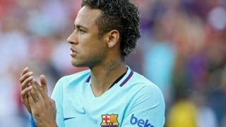 Neymar aturuka mu gihugu ca Brésil