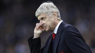 Arsene Wenger avuga ko kudatanguza Sanchez yari ingingo itoroshe ngo ariko ayihagazeko