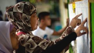 الفلبين تجري استفتاء لمنح المسلمين حكما ذاتيا في منطقة مينداناو المضطربة