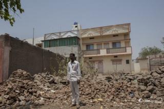 शिंदे भाइयों का घर अब मलबे में तब्दील हो गया है.