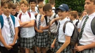 Okul etekli öğrenci