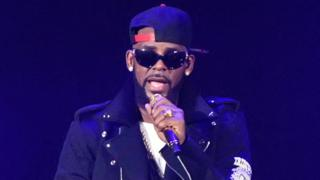 R Kelly performs during The Buffet Tour at Allstate Arena in Chicago, 7 May 2016