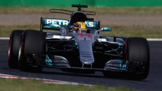 Lewis Hamilton of Great Britain driving the (44) Mercedes AMG Petronas F1 Team Mercedes F1 WO8 on track during the Formula One Grand Prix of Japan at Suzuka Circuit on October 8, 2017 in Suzuka