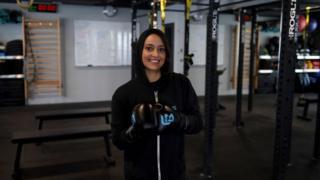Halah Alhamrani, la boxeuse de 41 ans qui révolutionne l'Arabie Saoudite par le sport.
