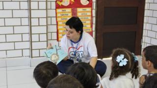 Débora Seabra de Moura, na escola