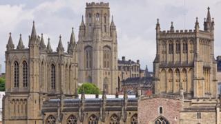 As torres da Universidade e da Catedral de Bristol