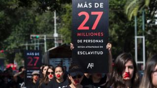 Protesta contra la esclavitud moderna en Guadalajara, México, en octubre de 2016.