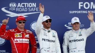 Sıralama turunda Lewis Hamilton (ortada) birinci olub. İkinci yeri Valtteri Bottas (sağda), üçüncünü isə Kimi Räikkönen (solda) tutub.