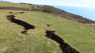 Weymouth cliff crack