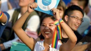 Một cuộc tuần hành vận động cho hôn nhân đồng giới đã thu hút hàng ngàn người ở Đài Loan