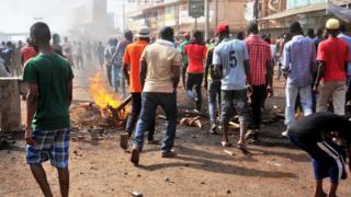 Des manifestants dans les rues de Conakry