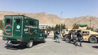 نیروهای افغان در محل انفجار