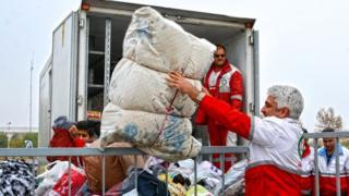 کمکرسانی به زلزلهزدههای غرب ایران