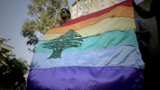 """لماذا يقاطع مثليون في لبنان مسيرات """"الفخر""""؟"""