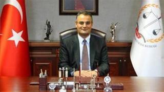 بیرول اردم، معاون سابق وزارت دادگستری ترکیه به اتهام ارتباط با فتح الله گولن بازداشت شد