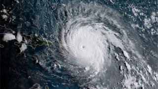 グリニッチ標準時6日午前11時半のハリケーン「イルマ」(米海岸大気庁)