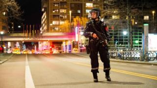 женщина-полицейский в Осло