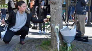 法國許多民眾表示對警方的支持和同情。