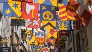 Trong số 26 bang của Thụy Sĩ, có 17 bang nói tiếng Đức